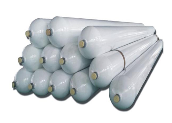 Large capacity seamless steel cylinders